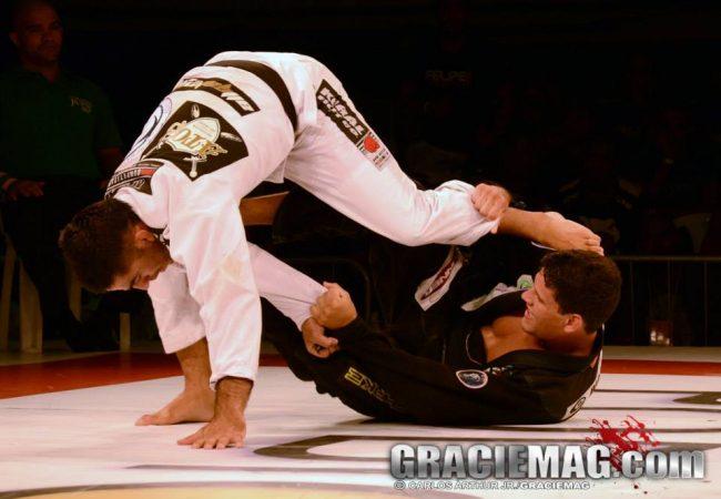 A guerra na superluta entre Felipe Preguiça e Guto Campos na Copa Pódio de Jiu-Jitsu