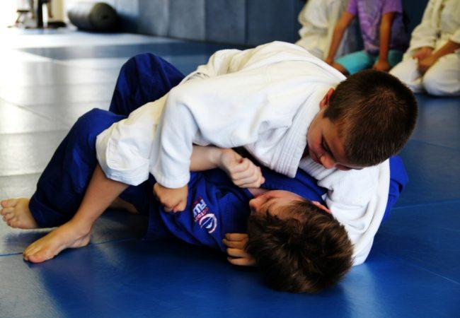 Não descuide do Jiu-Jitsu, pois tem gente treinando desde cedo para pegar você
