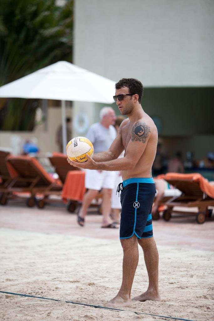Igor Gracie na praia. Fotos: Lucas Noonan