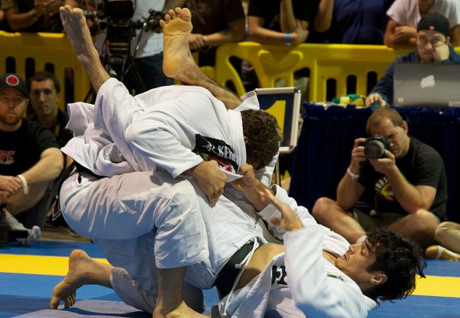 "Kron: ""Sempre que fico exausto no treino de Jiu-Jitsu, eu passo desse ponto"""