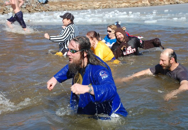 "GMA Gracie Humaita North Carolina takes ""Polar Bear Plunge"" into icy water for charity"
