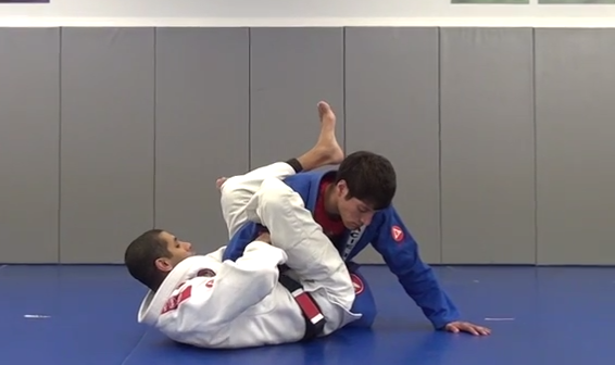 Video: Catch your opponent with a bicep slicer from closed guard