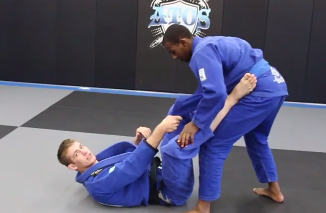 Keenan's breakdown of the lapel guard gives you an understanding of its possibilities