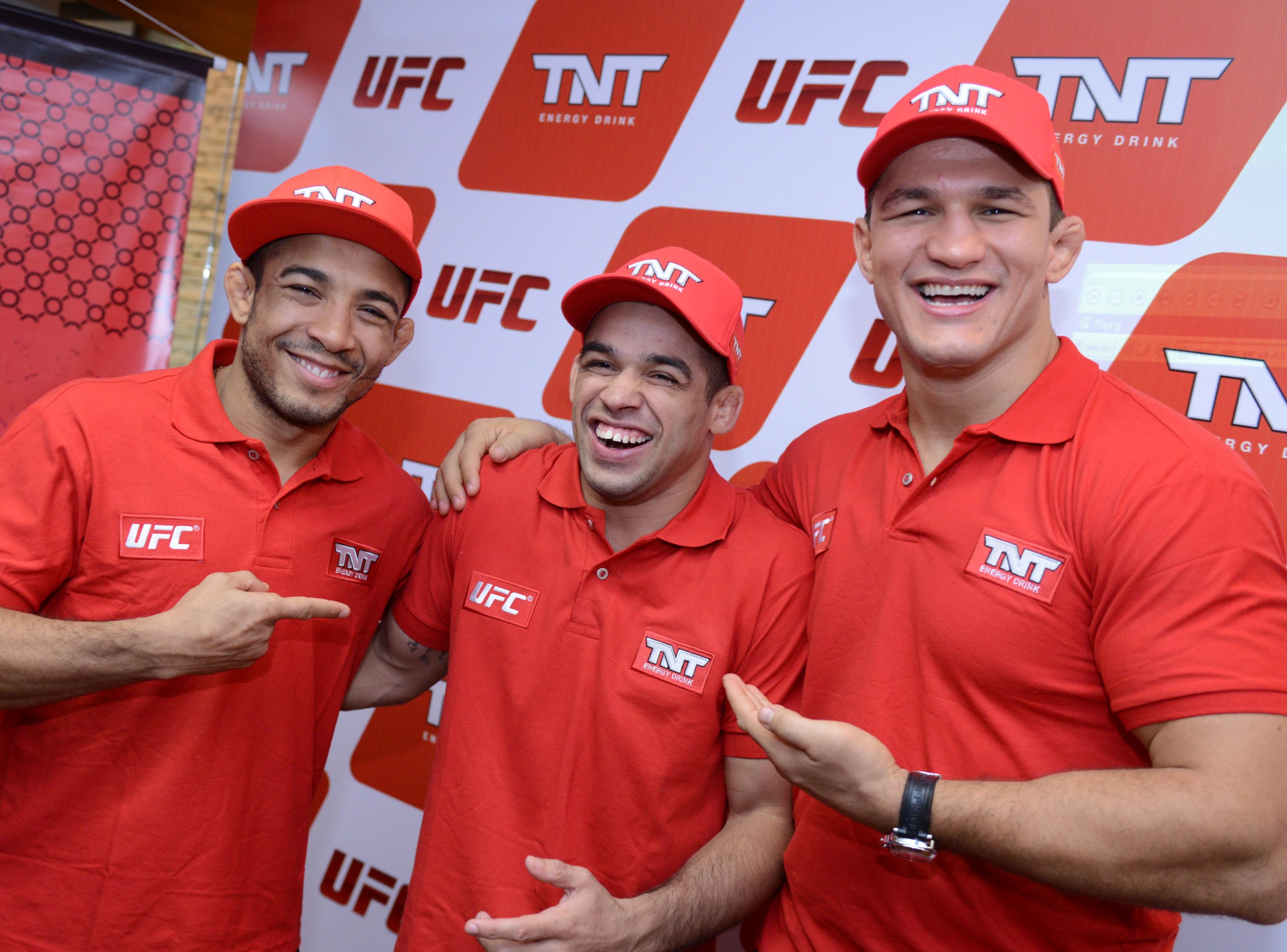 José Aldo com Barão e Cigano em evento da marca de bebida. Foto: Divulgação