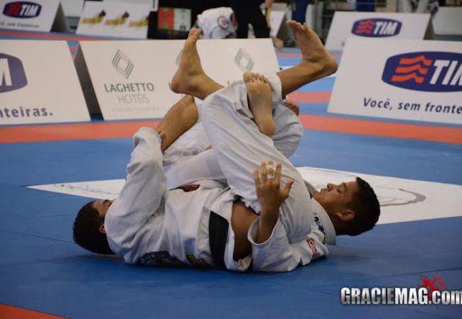 Vídeo: Estude algumas transições para as costas no Jiu-Jitsu