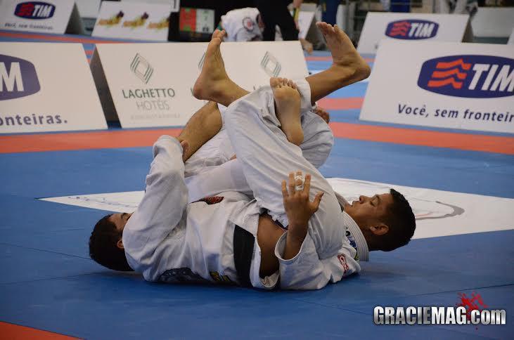 Vinicius Marinho busca as costas na categoria até 82kg.