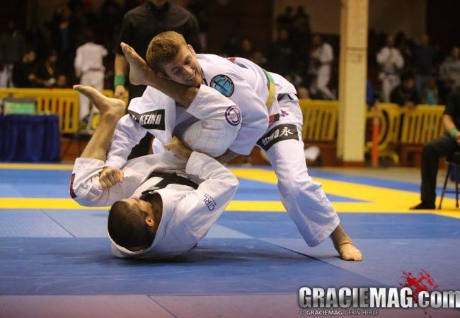 Vídeo: dois ataques para você para você montar e aniquilar no Jiu-Jitsu