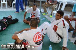 Daniel, Diego e Leandro Lo conversam nos bastidores da Copa Pódio. Foto: Carlos Arthur/GRACIEMAG