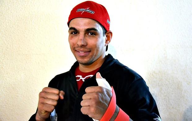 Lucas Mineiro com o dedo da mão machucado em lesão anterior. Foto: Lucas Lutkus