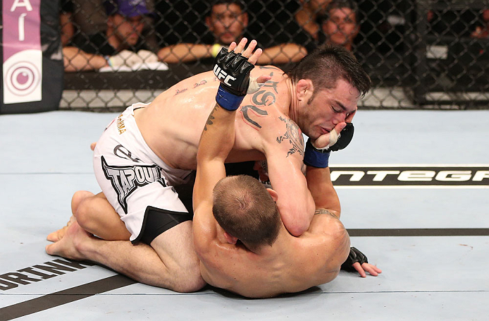 Jason em combate com Sam Sicilia no UFC. Foto: Divulgação