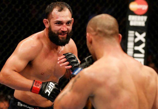 UFC 171: Hendricks vence Lawler em decisão polêmica e fica com o cinturão