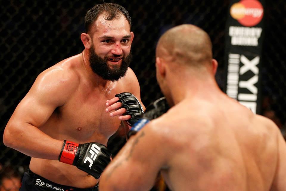 Hendricks venceu Lawler na decisão dos jurados. Foto: UFC/Facebook
