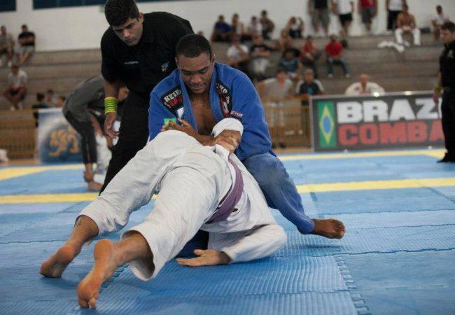 O adversário defendeu a kimura no Jiu-Jitsu? Troque a pegada e finalize