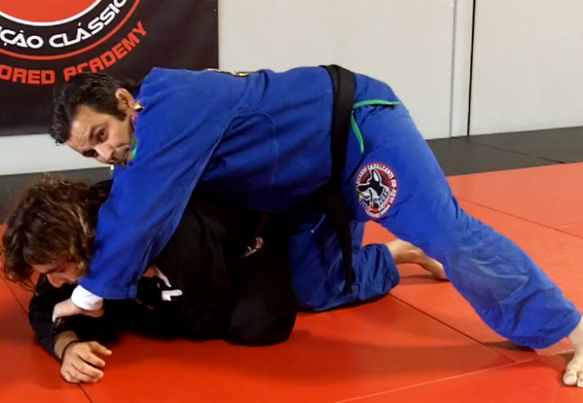 Video: Submit with a triangle even when your opponent stays on all fours