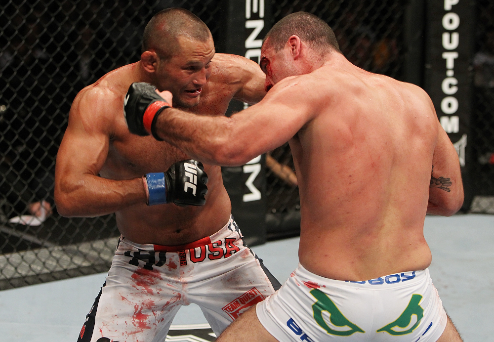 Shogun x Henderson no UFC 139 Foto Josh Hedges Zuffa