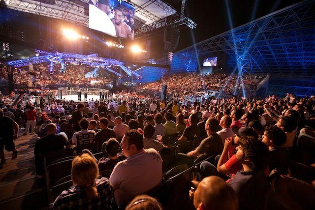 O UFC 112 em Abu Dhabi, em 2010: planos de expansão no Oriente Médio.