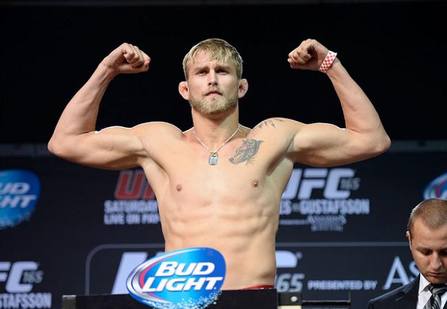 Gustafsson quebra invencibilidade de Manuwa no UFC em Londres