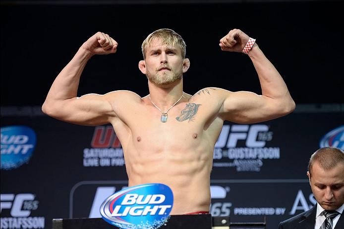 Alexander Gustafsson consegue mais uma vitória importante no UFC e pede Jones. Foto: UFC