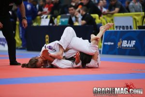 Maxine submits with a triangle armbar in the final. Photo: Erin Herle
