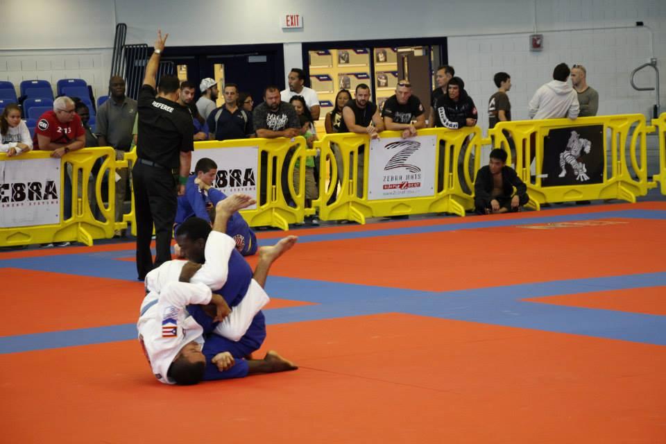 Cena do Boca Raton Open de Jiu-Jitsu no ginasio da Florida Atlantic University