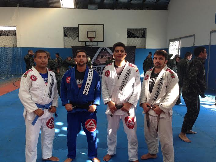 Christiano Taveira, Diego Monteiro, Filipe Jerry Oliveira e Tenente Gustavo Oddone posam para a foto. Foto: Divulgação