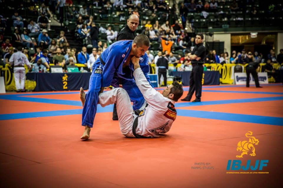 Gustavo Siri, campeão absoluto. Foto: IBJJF