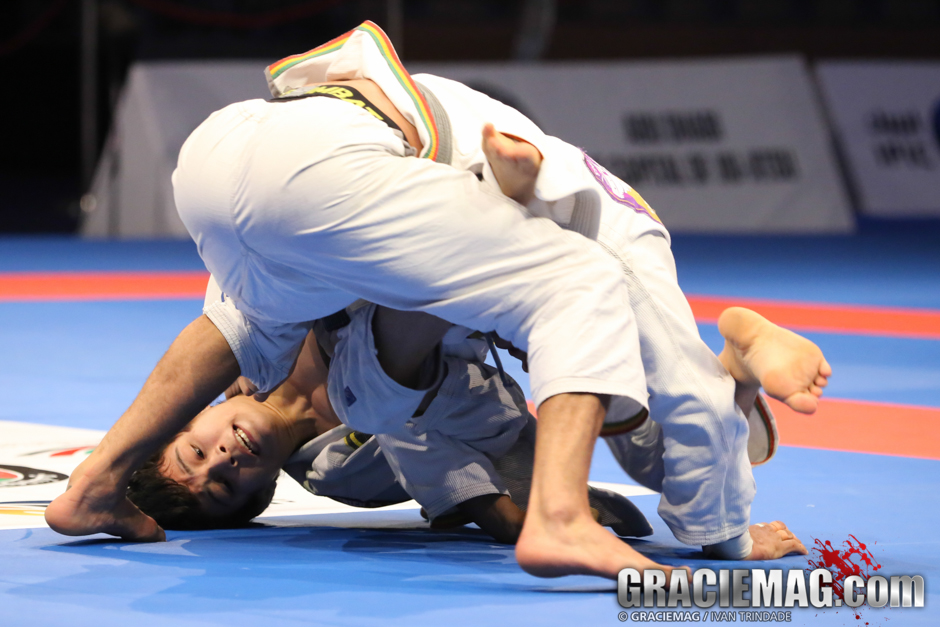 Later on, João Miyao got the family revenge when he defeated Barreto in the semifinal