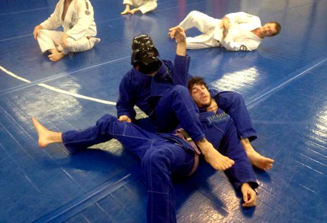Vídeo: O dia em que Darth Vader deu um treininho de Jiu-Jitsu