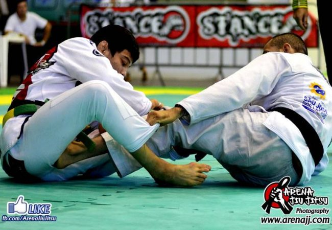 Sul-Americano de Jiu-Jitsu: a guarda-lapela de Paulo Miyao na final dos penas