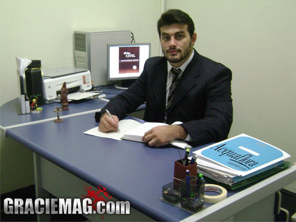 Demente no escritório de advocacia: Foto: Daniel Ferreira/GRACIEMAG.
