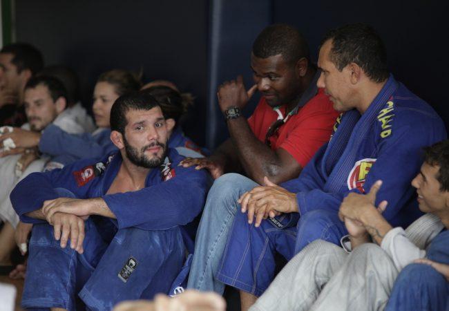 "Rodolfo analisa reencontro com ""imprevisível"" Buchecha em Abu Dhabi"