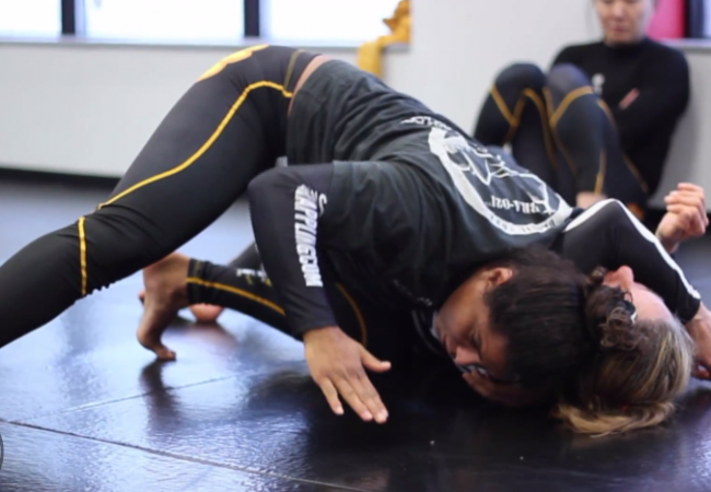 Video: Hannette Staack shows details for a head & arm choke in no-gi
