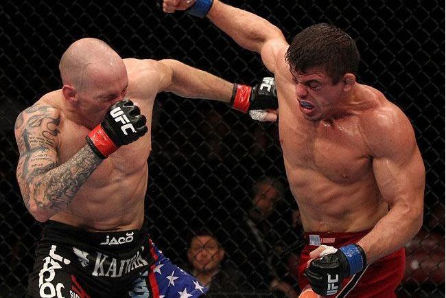 Vídeo: a vitória de Caio Monstro com os ganchos de Glover no UFC