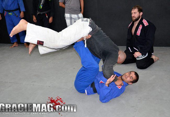 Jiu-Jitsu: Chegue fácil na montada e finalize, na dica de Diego Moraes