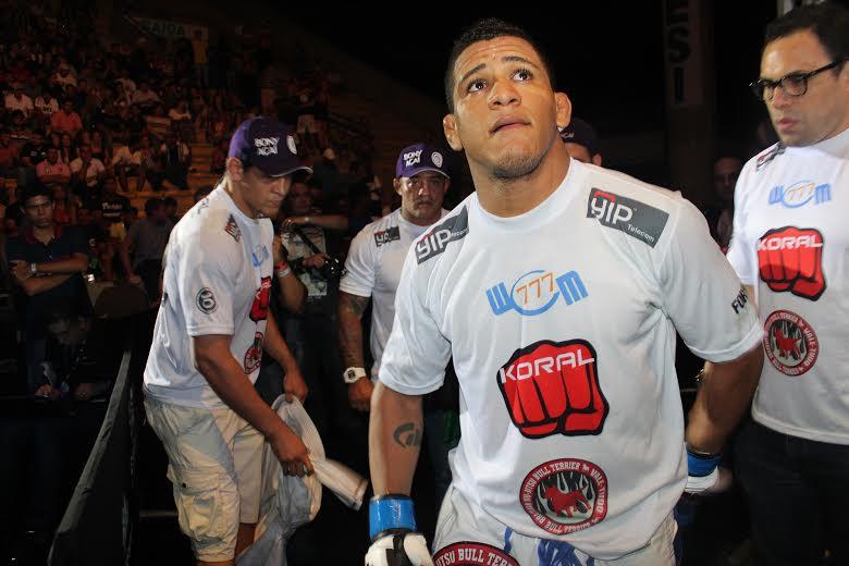 Além de lutador, Durinho, afia o Jiu-Jitsu de Belfort  e Mutante. Foto: Leonardo Fabri