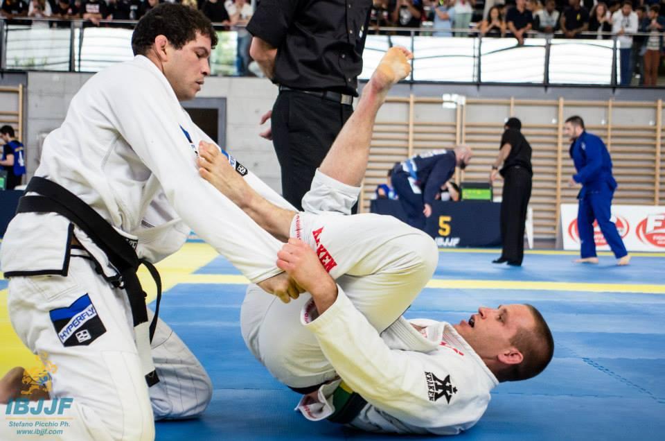 Ricardo 'Pezao' de Oliveira vs. Patrick DeCaro. Photo: StefanoPicchio