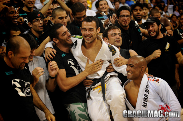 Worlds: remember how Marcelinho became king of middleweight and register for 2014