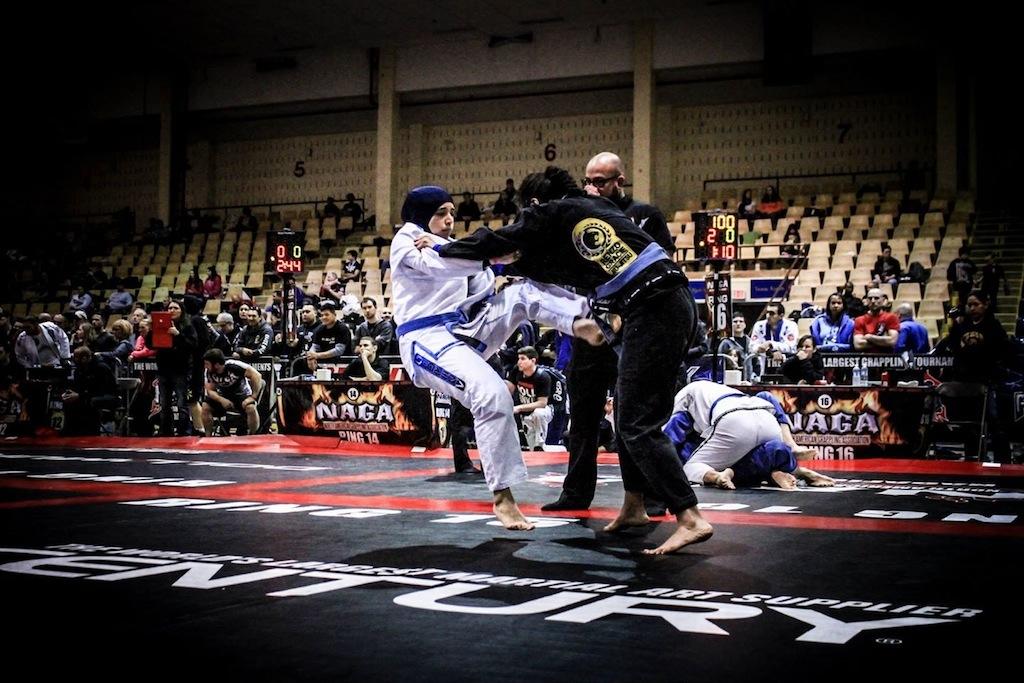 As irmas Helmy em acao no Jiu Jitsu Foto por Giulliana Fonseca