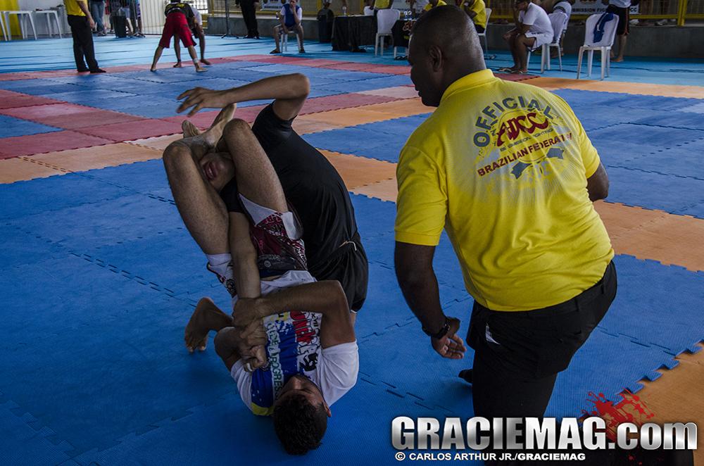 Os armlocks foram muito acionados no Brasileiro do ADCC. Foto: Carlos Arthur Jr.