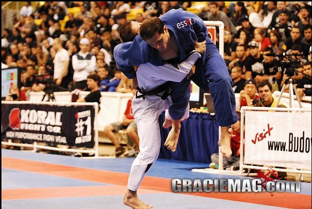 Vice em 2012 e 2013, Calasans muda os treinos para Mundial de Jiu-Jitsu