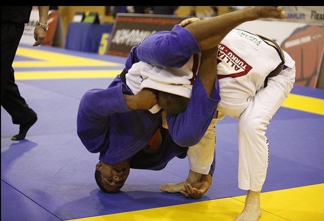 """Durinho analisa UFC, Gregor e luta sem tempo: """"Lo não é finalizador, é matador"""""""