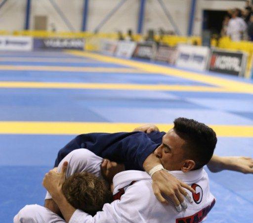 As lições de Jiu-Jitsu do triângulo que abalou o Mundial de 2014 na faixa-roxa