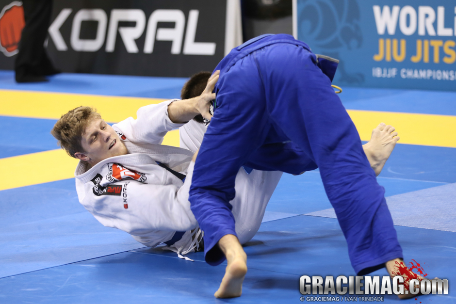 Final do absoluto azul, no Mundial de Jiu-Jitsu 2014. Foto: Ivan Trindade/ GRACIEMAG