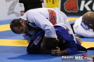 Bernardo pressures his opponent into turtle. Photo: Ivan Trindade