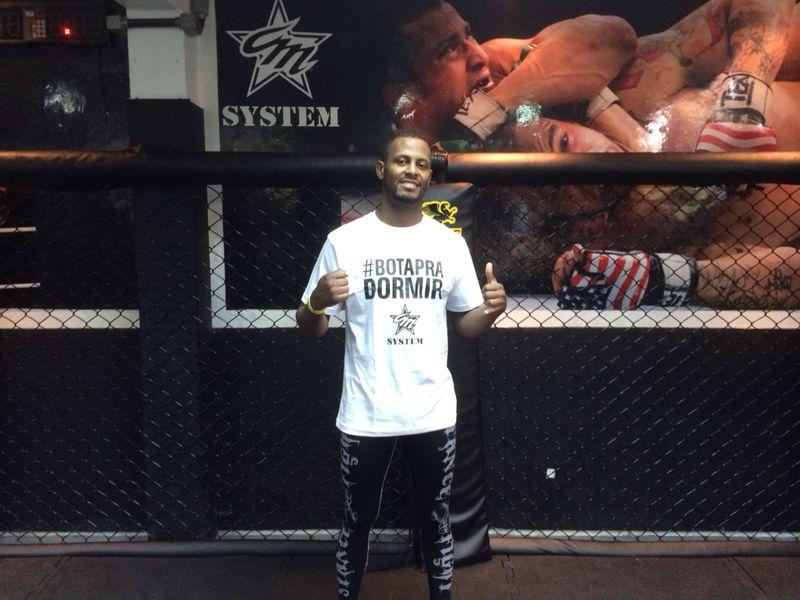 Fera no boxe, Kevin Souza treina forte no Jiu-Jitsu para o UFC. Foto: Divulgação