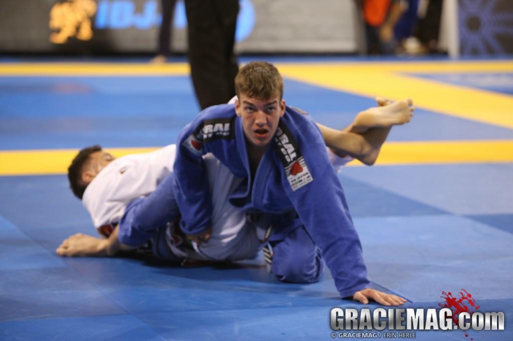 Luan Frasson, campeão mundial na faixa-azul adulto aos 17 anos. Foto: Erin Herle/GRACIEMAG