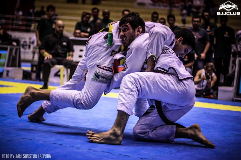 Lucas Lepri vs. Felipe Preguica at the 2014 Brazilian Nationals. Photo: Jair Lacerda