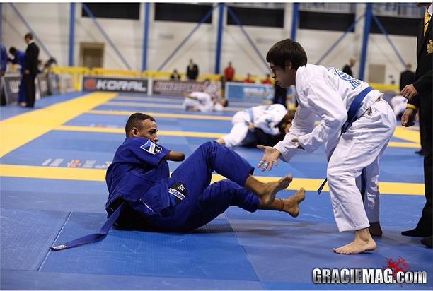 O faixa-azul que roubou a cena no primeiro dia do Mundial de Jiu Jitsu 2014
