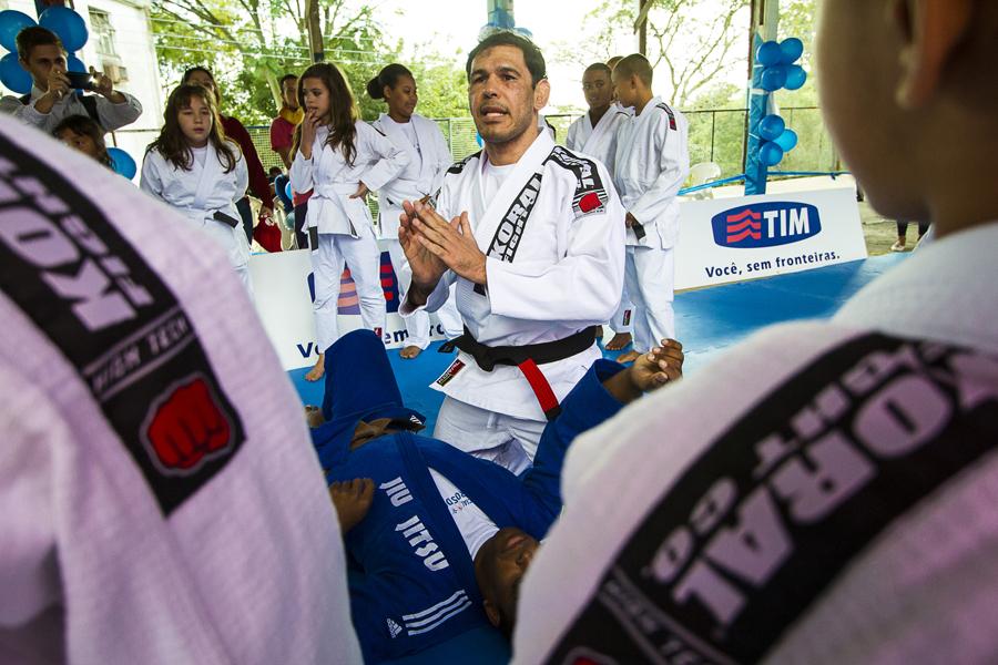 Minotouro em Porto Alegre Jiu Jitsu de graca para 3 comunidades Foto Juliano Araujo