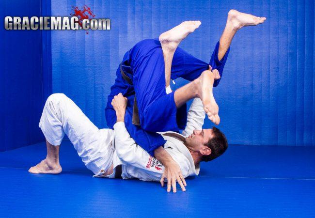 Vídeo: Aprenda a raspagem mais eficaz do jogo de Roleta no Jiu-Jitsu